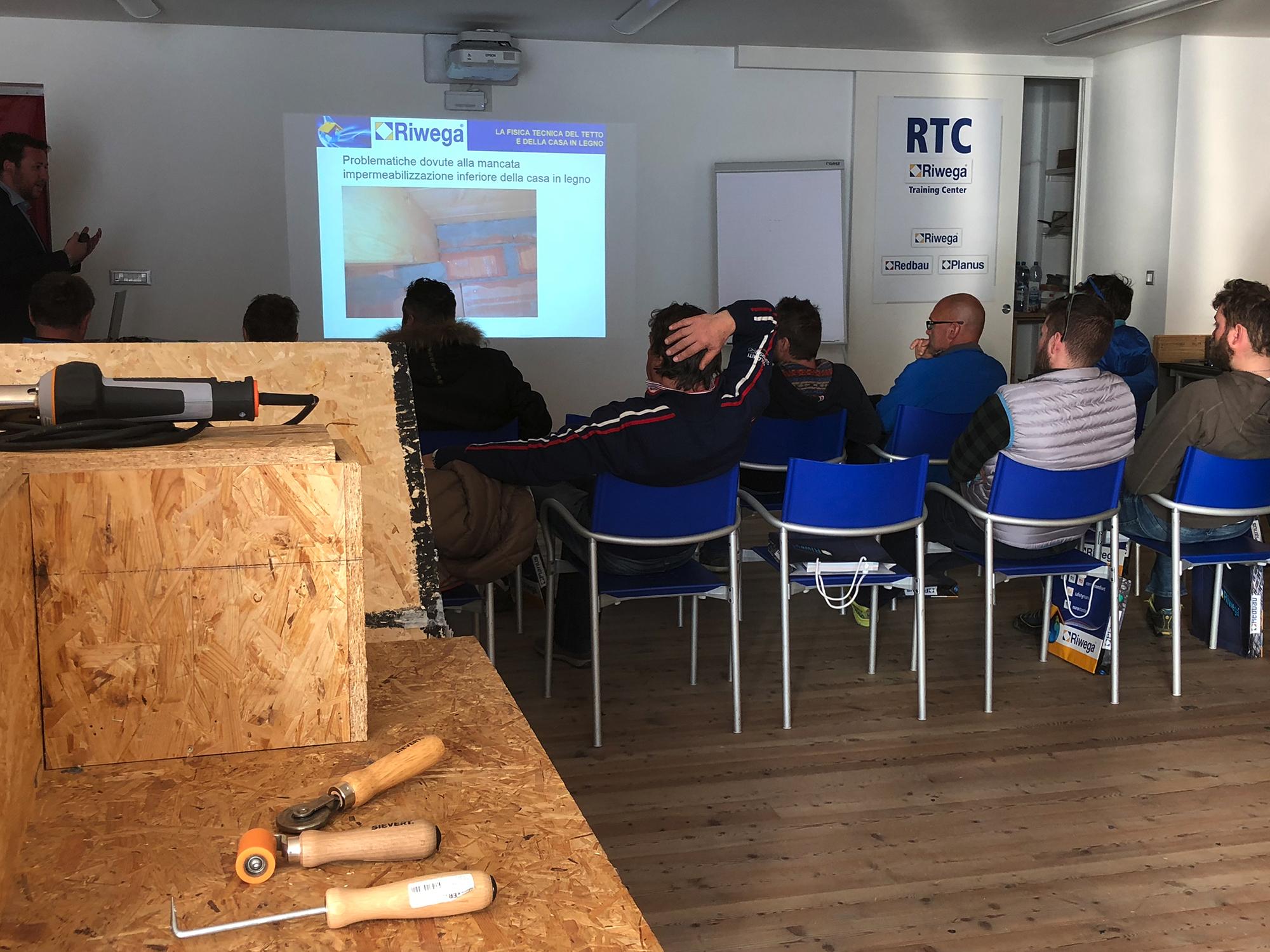 case in legno casa trentino triveneto edilizia biocompatibile Isolazione, sigillatura e completamento degli edifici in legno casa pollam riwega 09