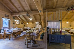 Casa Pollam e Agriturismo Ciasa do Parè, un connubio perfetto tra il legno, la natura e la buona cucina casa in legno carpenteria in legno trentino alto adige2