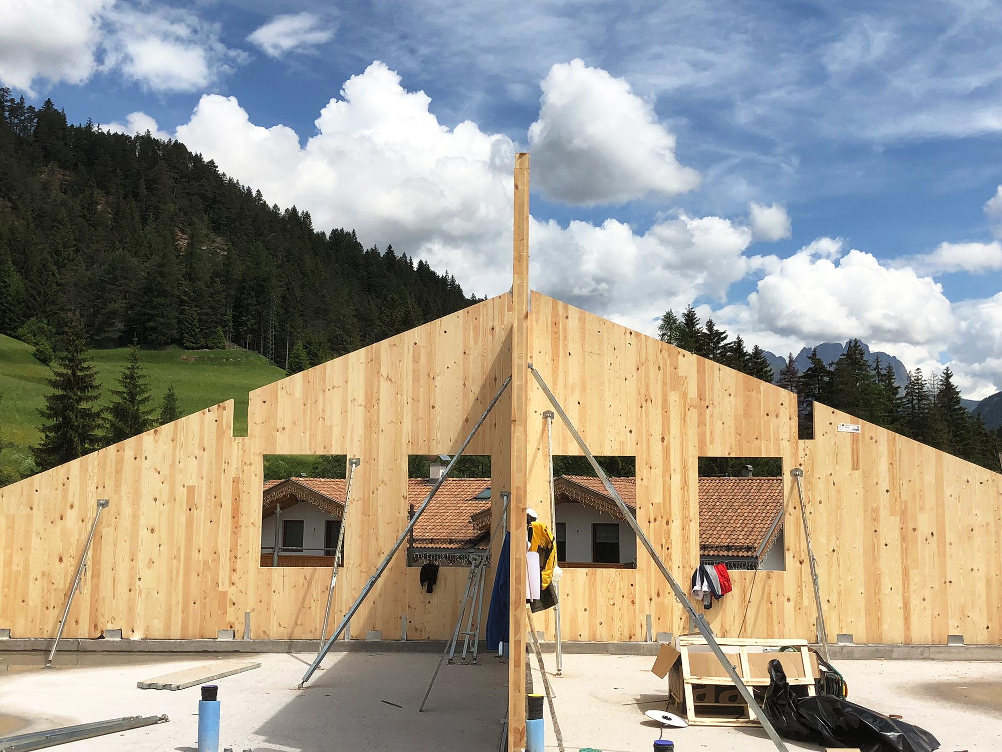 I vantaggi di una sopraelevazione in legno casa pollam